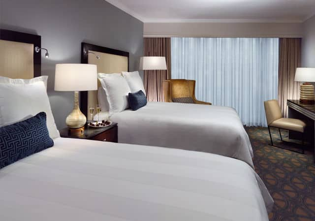 omni riverfront guest room