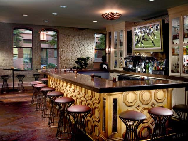 omni riverfront lobby bar